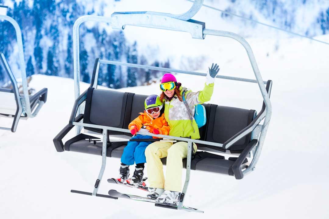 recomendaciones para viajar a la nieve con niños
