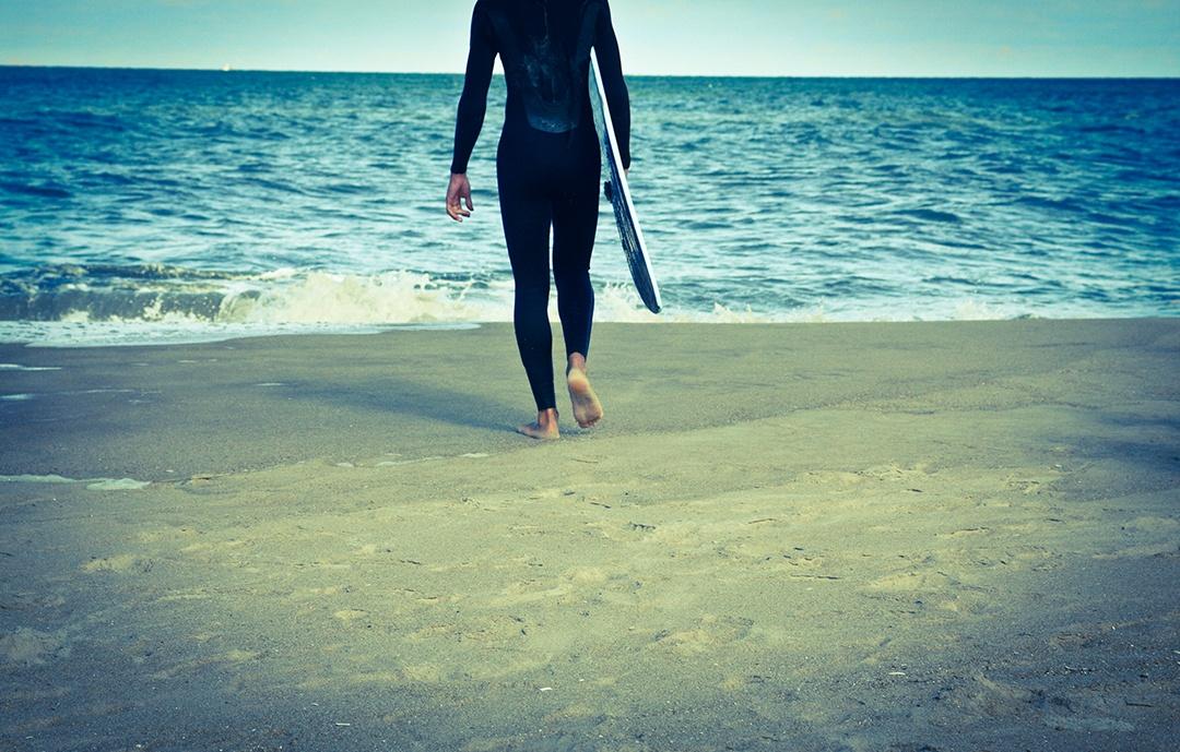 645f76ef227c Surf: ¿cómo elegir un traje de neopreno?