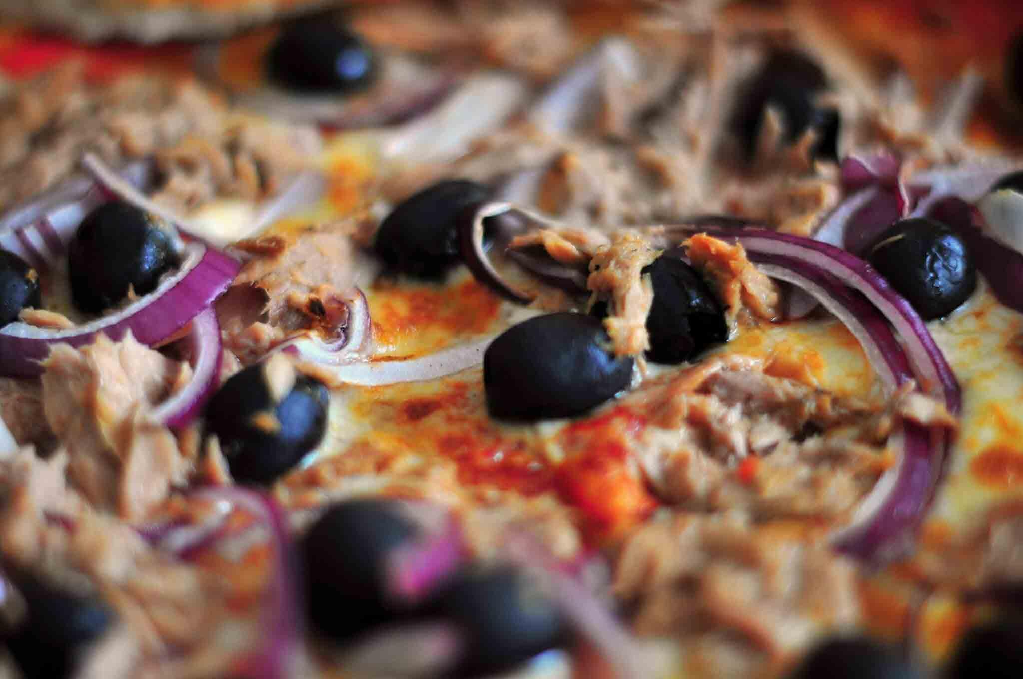 thunfisch pizzaboden