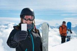 ¿Qué es el forfait? Viaja a la nieve y muevete por la pista de esquí con este pase