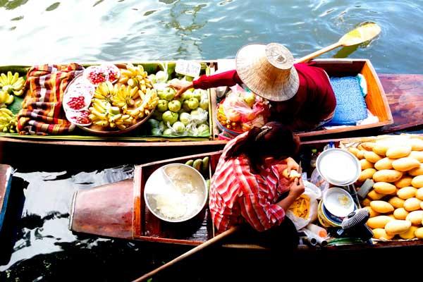 viajes mochileros donde comer