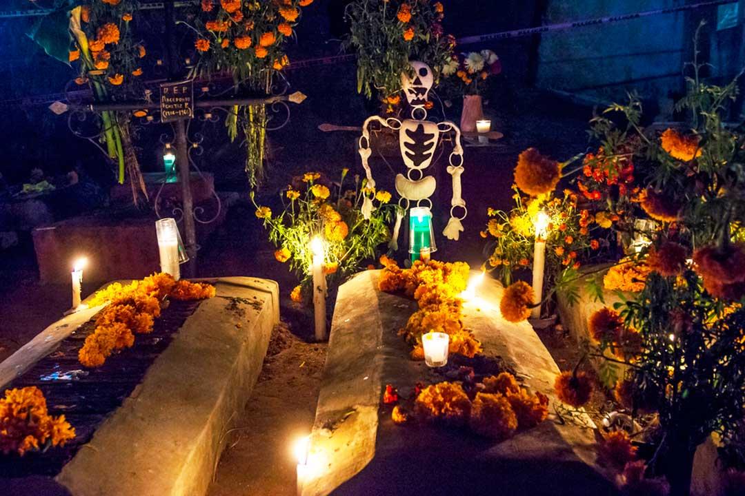 cementerio de oaxaca en el dia de muertos