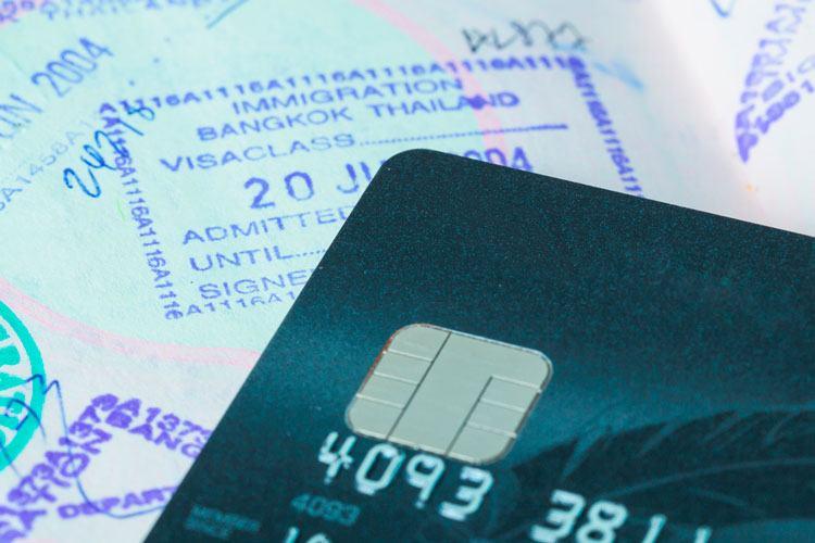 que cubre el seguro de viaje de la visa