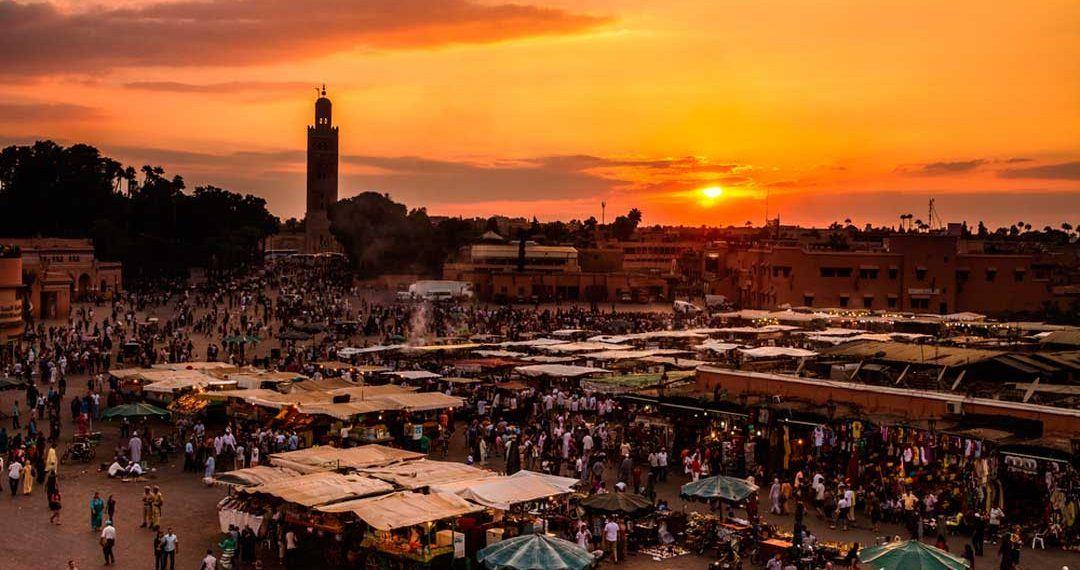 Jamaa el Fna en Marrakech, un imprescindible al viajar a Marruecos