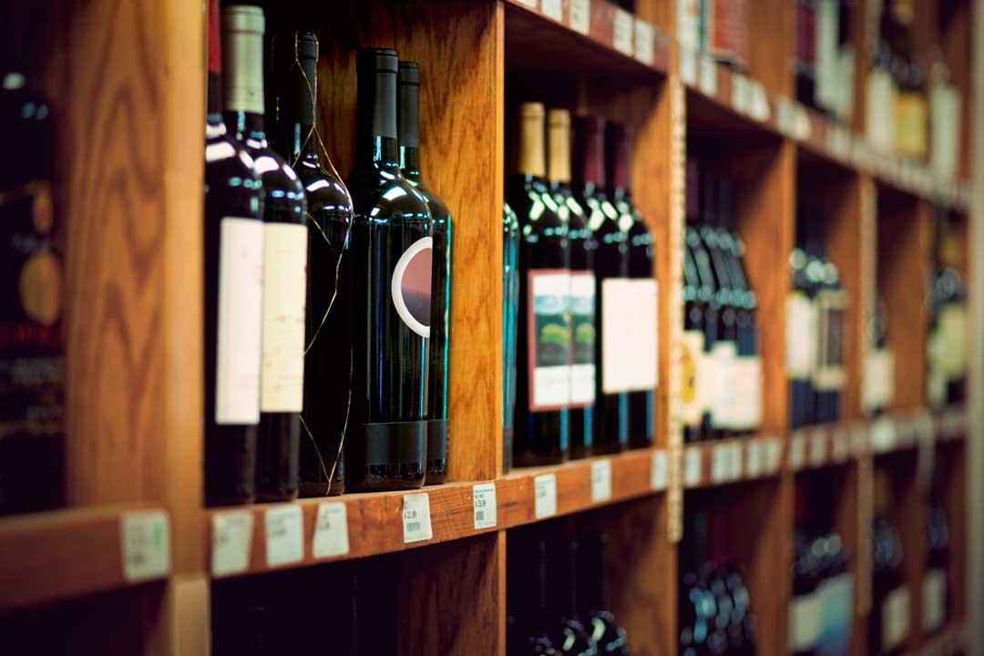 Si compramos vino como souvenir, ¿Le afectan las restricciones de líquidos en el avión?