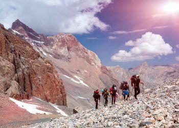 A la hora deportes de aventura como la escalada o el alpinismo es necesario cubrirse frente al rescate en montaña