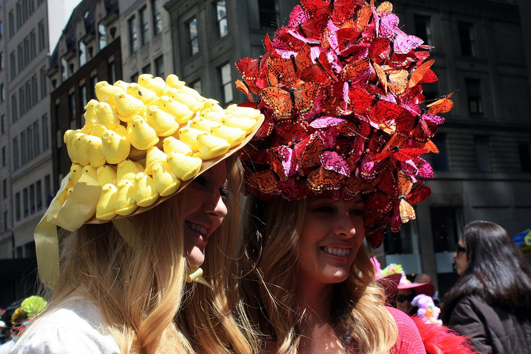 divertido-evento-easter-parade-bonnet-festival.