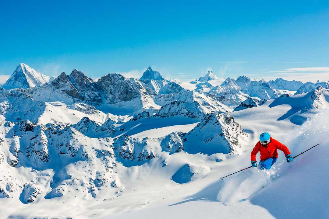 Si además del esquí practicas otros deportes a lo largo del año, la mejor opción es que contrates un seguro deportivo anual