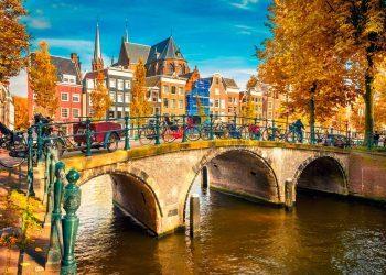 Debido al alto costo de los servicios de la salud, las entidades de migración han considerado necesario el uso de seguro de viaje a Holanda por parte de sus visitantes al punto de llegar a ser un requisito indispensable en algunos casos.