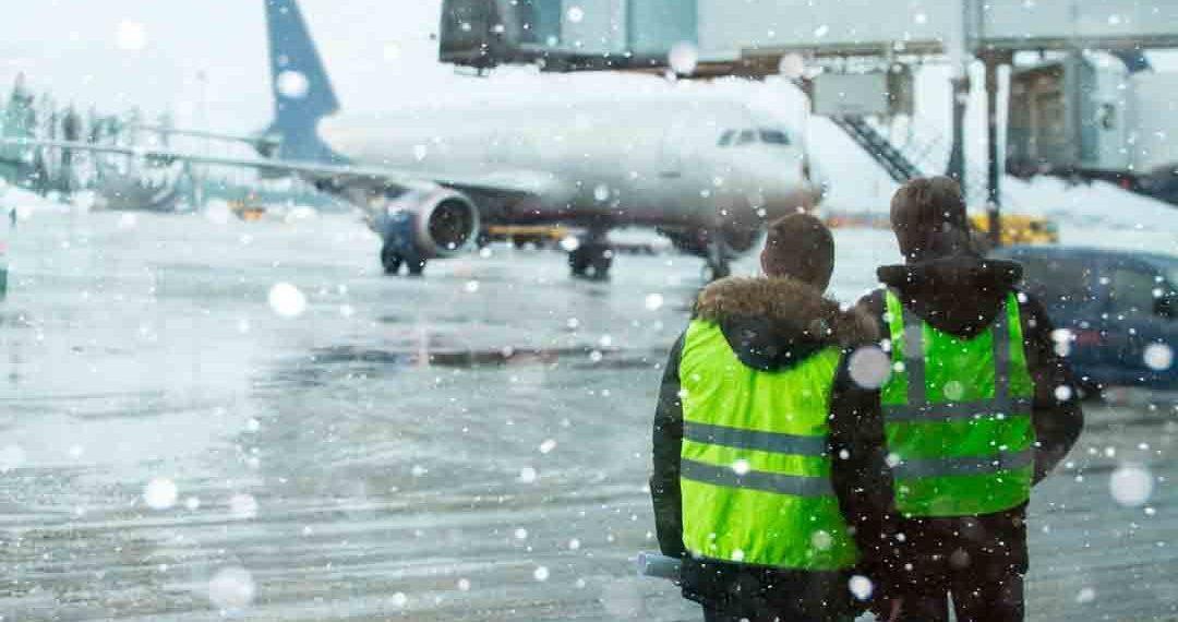 ¿Tu vuelo se ha cancelado por mal tiempo? Infórmate de tus derechos como pasajero para saber cómo reclamar y cómo recibir indemnización.