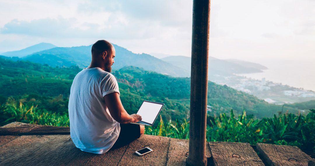 Como viajan y usan el seguro de viaje los blogueros de viaje y los influencers