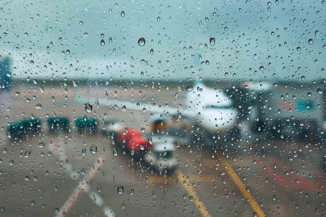 ¿Cómo obtener indemnización por cancelación de vuelo por causas meteorológicas?