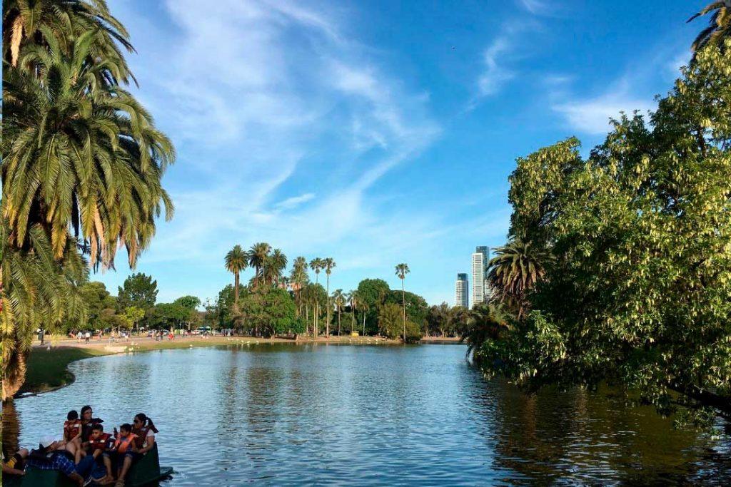 Una escapada primaveral es Buenos Aires, donde tienen el otoño austral