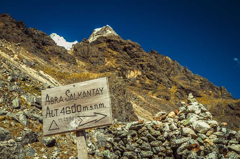 Conoce cómo viajar al Macchu Picchi por tu propio pie